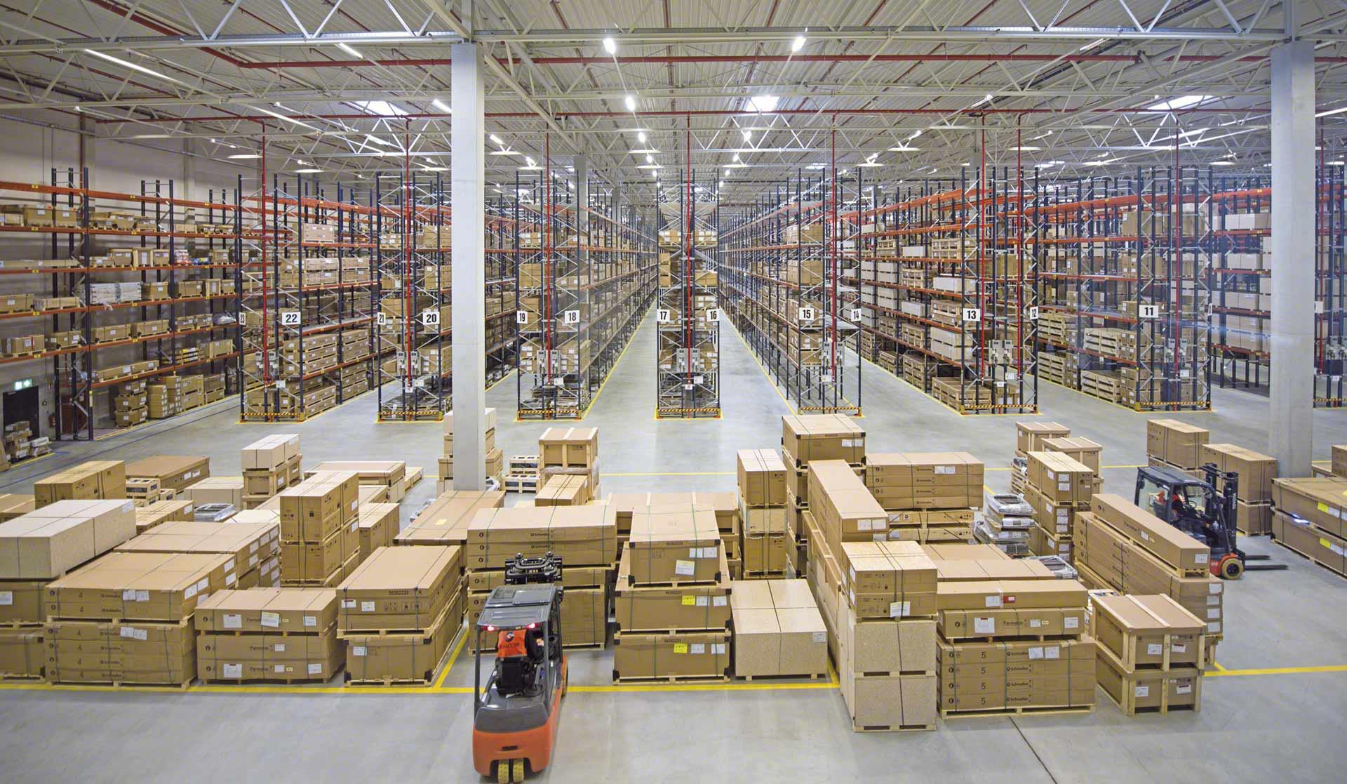 La logística de aprovisionamiento hace referencia a la adquisición y almacenamiento de mercadería