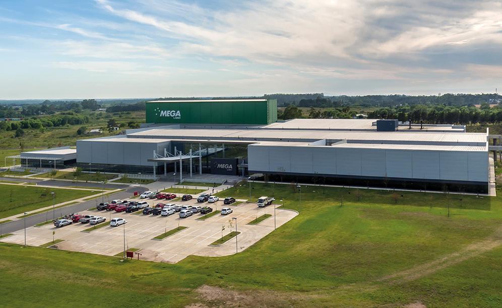 Mecalux ha construido para Mega Pharma un nuevo depósito automático autoportante en Uruguay con una capacidad que supera los 6.900 pallets