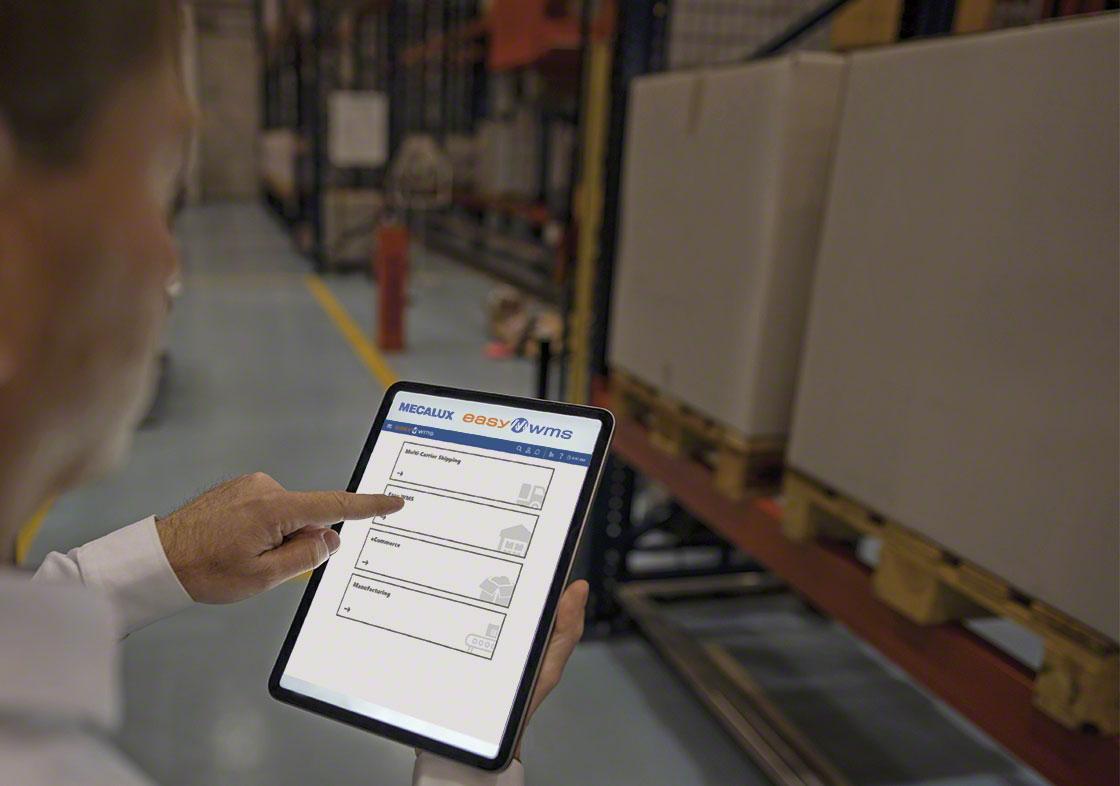 La visualización de KPI en logística se realiza a través de paneles de control