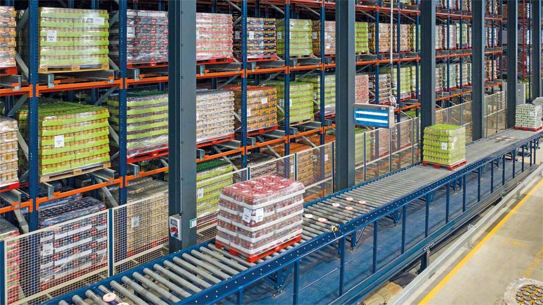 Los transportadores de palets minimizan los desplazamientos de los operarios por el almacén
